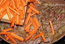 Лагман - кладем морковь