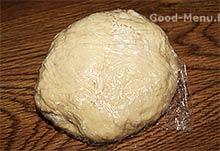 Тесто на манты заворачиваем в пленку