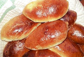 простой рецепт сладких пирожков на дрожжах в духовке