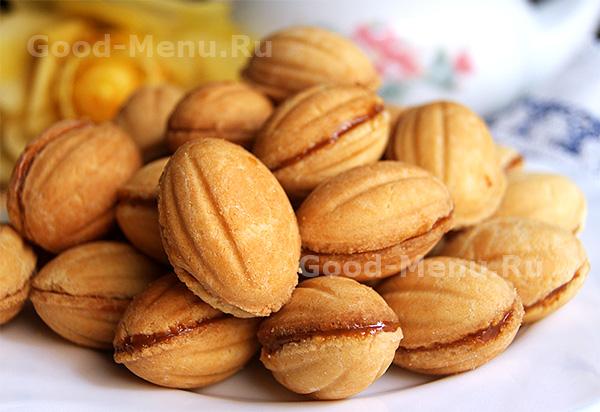 Подробный рецепт орешков со сгущенкой