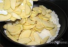 Американский яблочный пирог - яблоки с сахаром