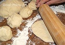 Расстегаи - раскатываем тесто