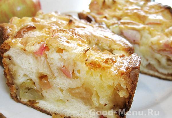 Бисквитный яблочный пирог - рецепт