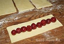 Торт Монастырская изба - кладем вишни