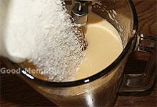 Заварной крем - добавляем сахар и муку