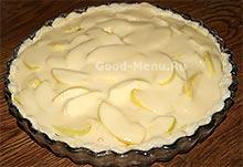 Ставим в духовку пирог с яблоками