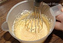 Торт Баунти - взбиваем желтки с сахаром